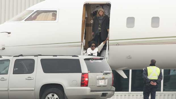 Oprah arrives in Calgary (Photo Courtesy: Dave Subelack)
