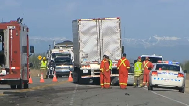 Strathmore RCMP investigate fatal crash