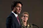 Liberal leader Justin Trudeau and Ontario Premier Kathleen Wynne take part in a joint news conference in Ottawa, Thursday, Jan. 29, 2015. (Adrian Wyld / THE CANADIAN PRESS)