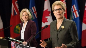 Ontario Premier Kathleen Wynne, right, and Alberta Premier Rachel Notley take part in a joint press conference following their meetingat the Queens Park Legislature, in Toronto, on Friday, Jan. 22, 2016. THE CANADIAN PRESS/Chris Young