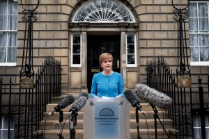 "First Minister Nicola Sturgeon speaks to the media outside Bute House, following an emergency Scottish cabinet meeting in Edinburgh, Scotland, Saturday, June 25, 2016. Scottish leader Nicola Sturgeon says Scotland will launch immediate talks with European Union nations and institutions to find a way to remain in the bloc despite Britain's vote to leave. Sturgeon says voters in Scotland gave ""emphatic"" backing to remaining in the bloc. A majority of voters in more-populous England opted to leave. (Jane Barlow/PA via AP)"