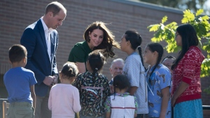 The Duke and Duchess of Cambridge greet children at the University of British Columbia campus in Kelowna, B.C., Tuesday, Sept 27, 2016. THE CANADIAN PRESS/Jonathan Hayward