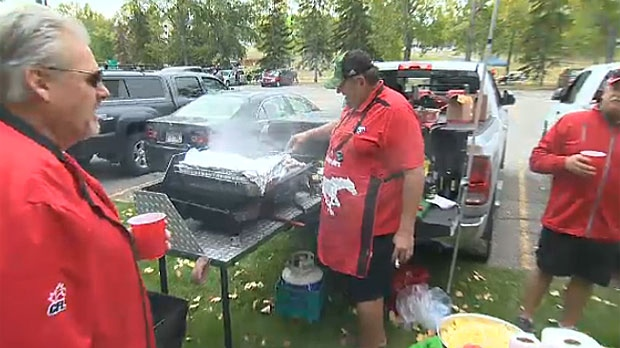 Thousands attend tailgate party