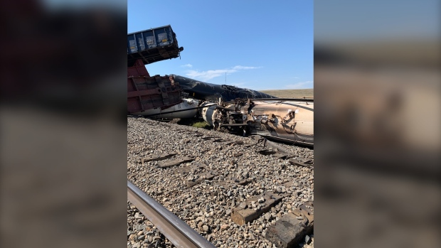Evacuation order lifted after CP train derails near Irvine, Alberta