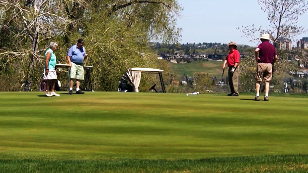 Golf courses to shut as a good walk ruined by pandemic