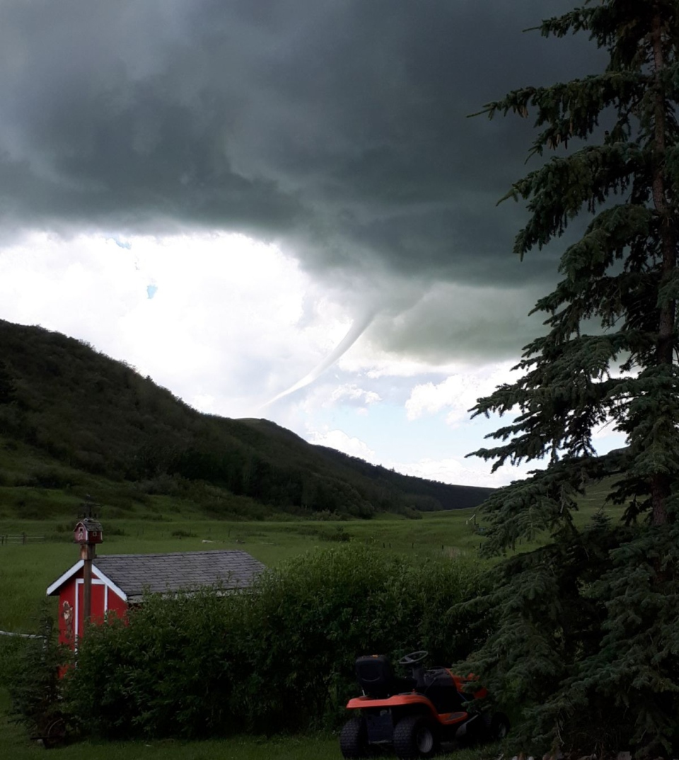 July 12, funnel cloud, Nanton, William's Coulee