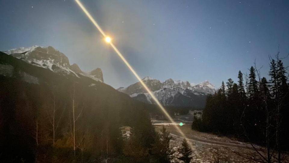 moonset, Ha Ling Peak, Darren