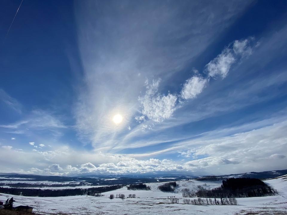 trailing, cloud, Rockies, Priddis, Alberta, Karen,