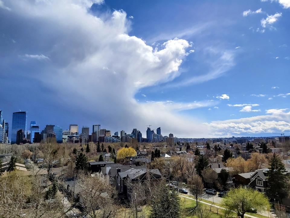 Calgary, wave, showers, flurries, graupel, Jess