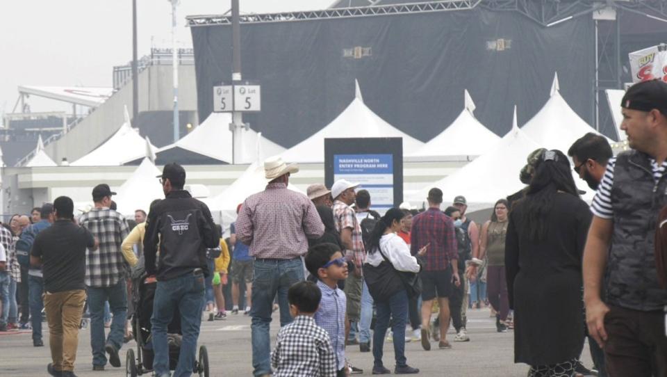 calgary, calgary stampede, chuckwagons, attendance